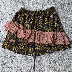 Floral printed urban outfitters skirt!